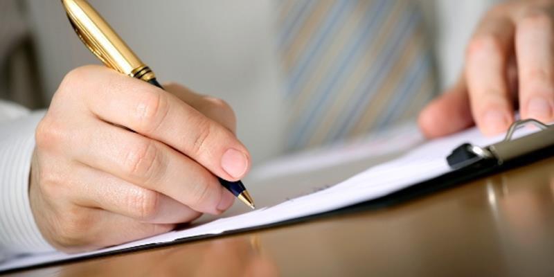 سوگند بر قلم  و آنچه می نویسد !