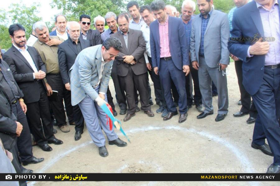 گلنگ زنی دو پروژه سالن ورزشی چندمنظوره توسط مدیرکل ورزش و جوانان استان /عکاسان:محمدرضا نورزي .سیاوش زمان زاده