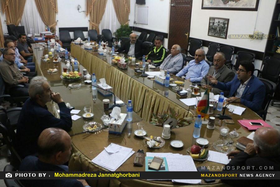 برگزاری جلسه هم اندیشی اعضا هیئت فوتبال منطقه ۳ مازندران در تنکابن