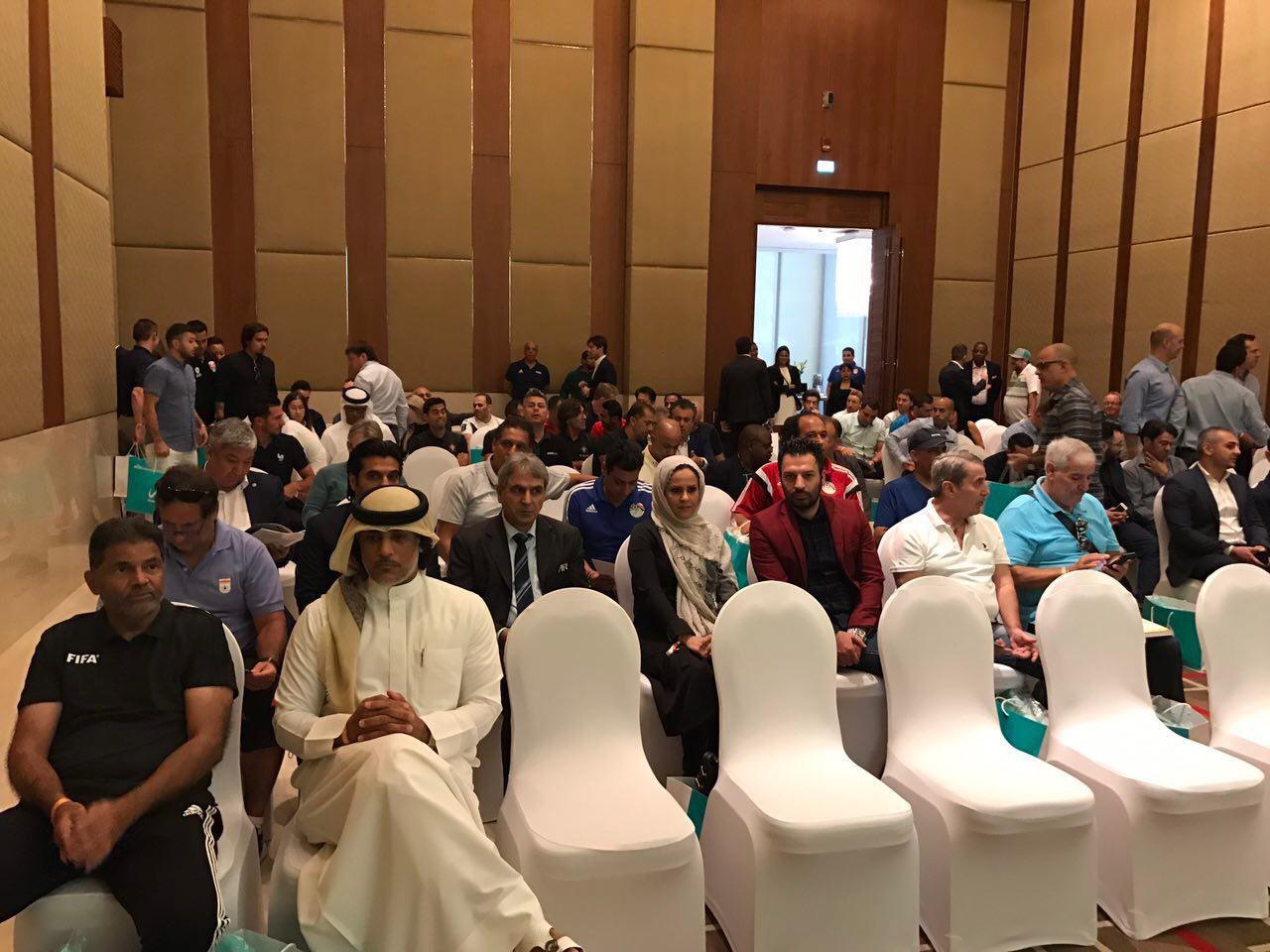 حضور سرمربی شهریار ساری در اجلاس مربيان و خانواده فوتبال ساحلي دنيا در امارات + عکس