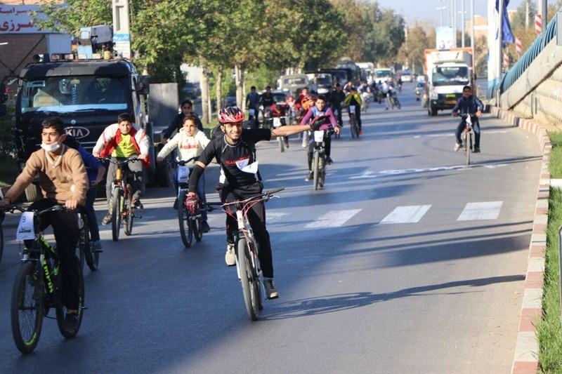 همايش دوچرخه سواري همگاني به مناسبت هفته بسيج + تصاویر