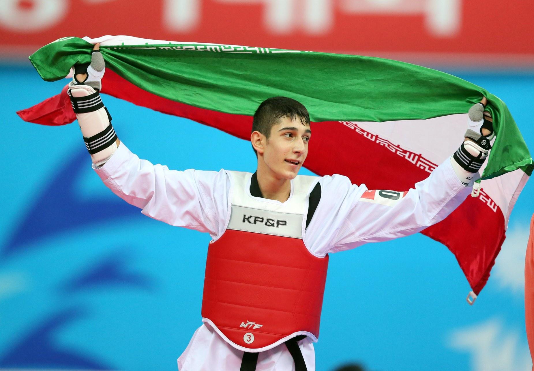 مدال نقره مسابقات گرندپری بر گردن فرزان عاشورزاده