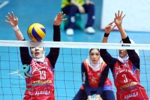 جشن پیروزی دختران بهنمیری در خانه والیبال تهران + تصاویر