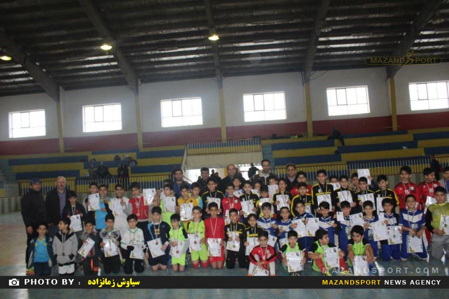 جشنواره  فیستوال فوتسال زیر یازده سال به همت باشگاه همیاری سادات شهربرگزار شد