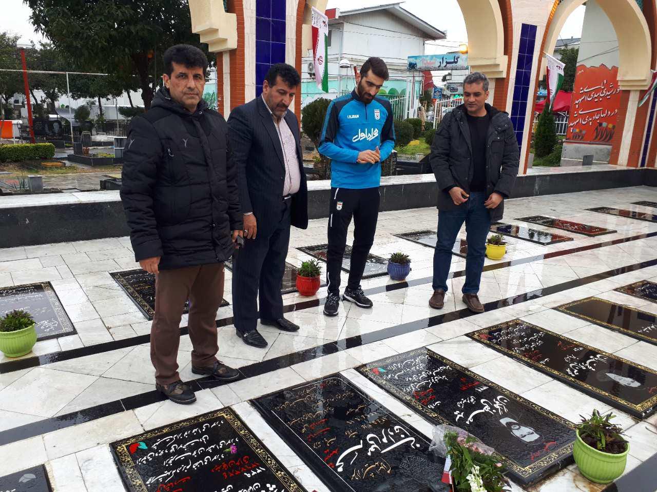 سعید احمدعباسی به شهدا ادای دین کرد + تصاویر