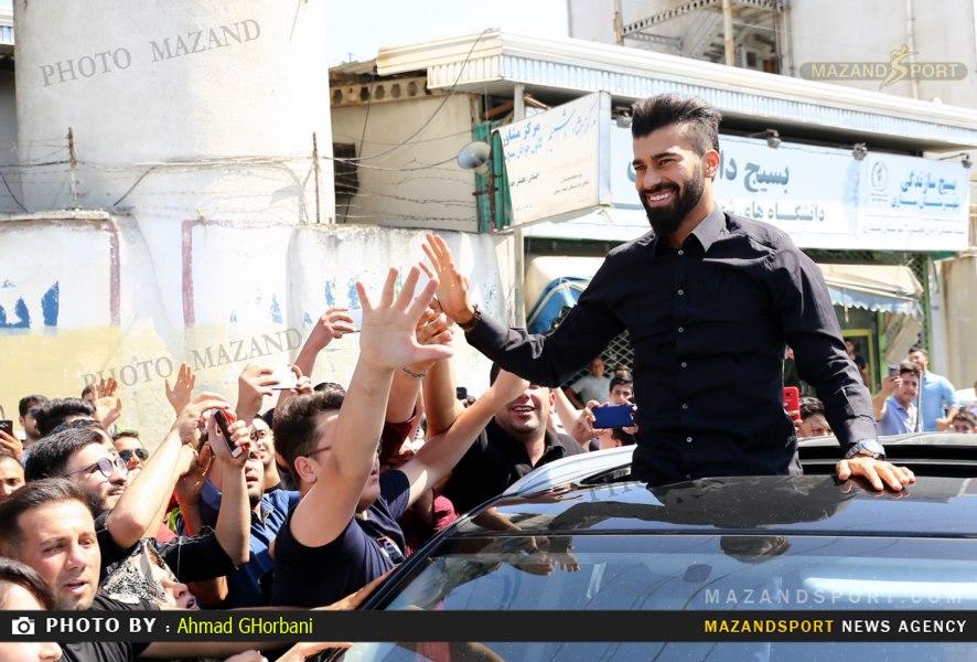 رامین رضائیان با استقبال مسئولین و مردم ساری وارد زادگاهش شد / عکاس: احمد قربانی
