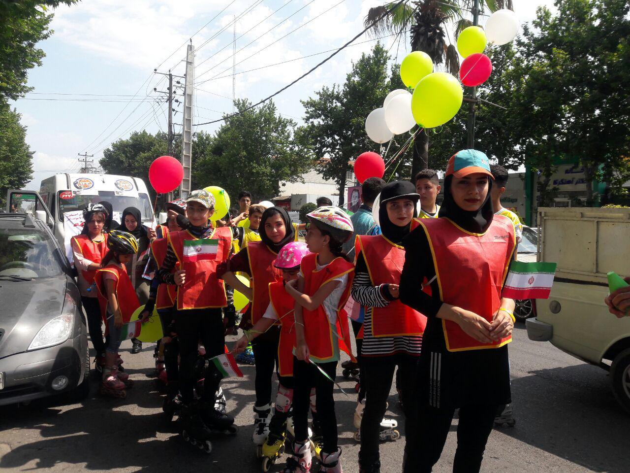 کارناوال هیات اسکیت شهرستان آمل در هفته مبارزه با اعتیاد به راه افتاد + تصاویر