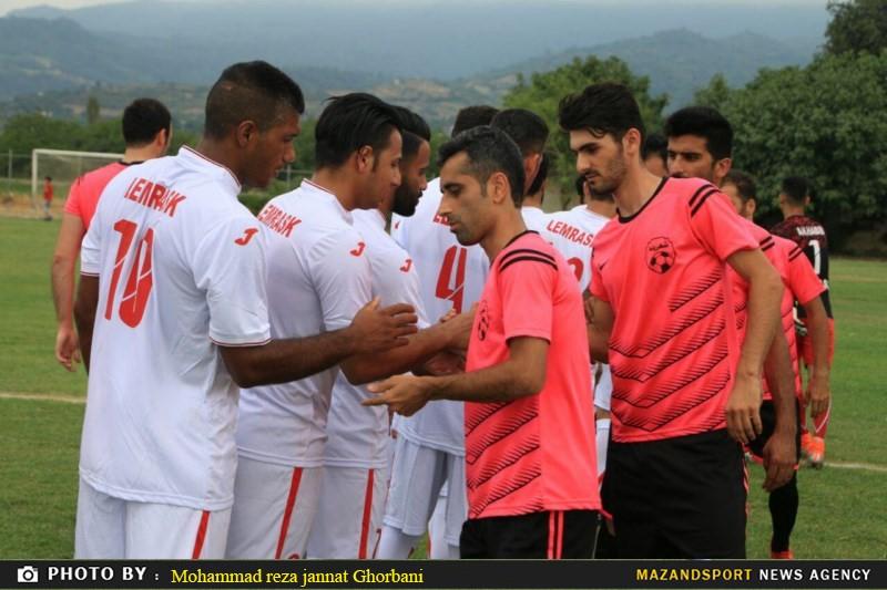 دیدار تیم های شهدای لمراسک گلوگاه و شهروند رامسر در لیگ برتر فوتبال مازندران