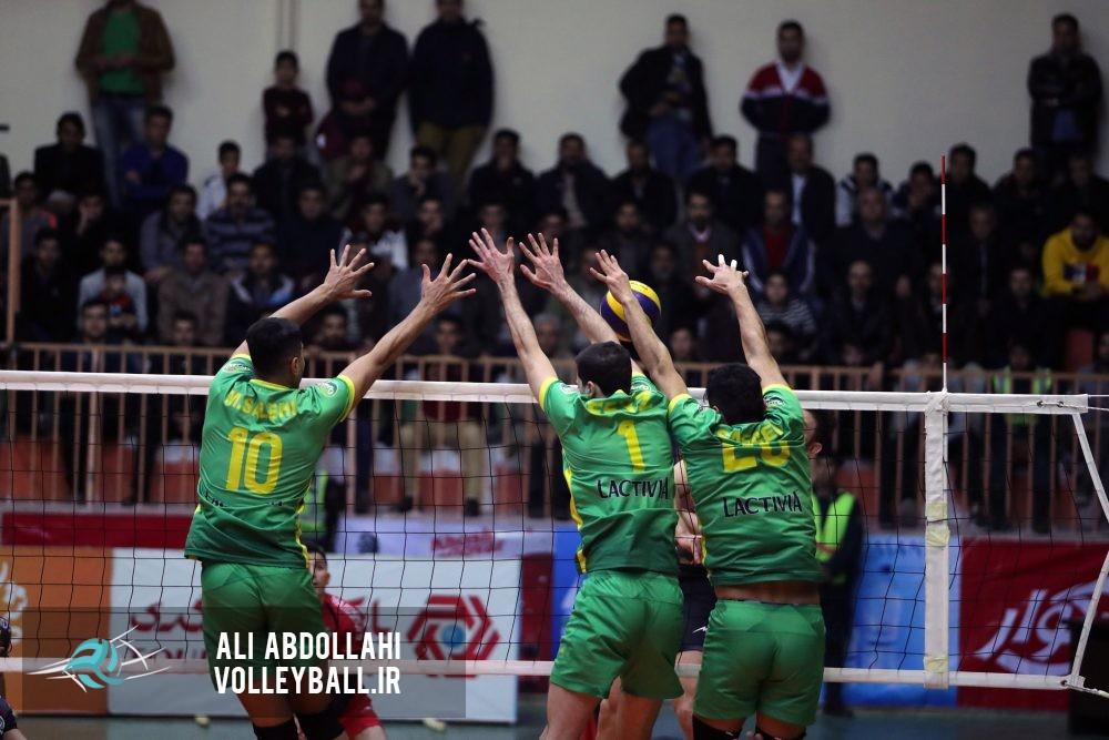 والیبالیستهای کاله در خانه شهرداری گنبد را شکست دادند