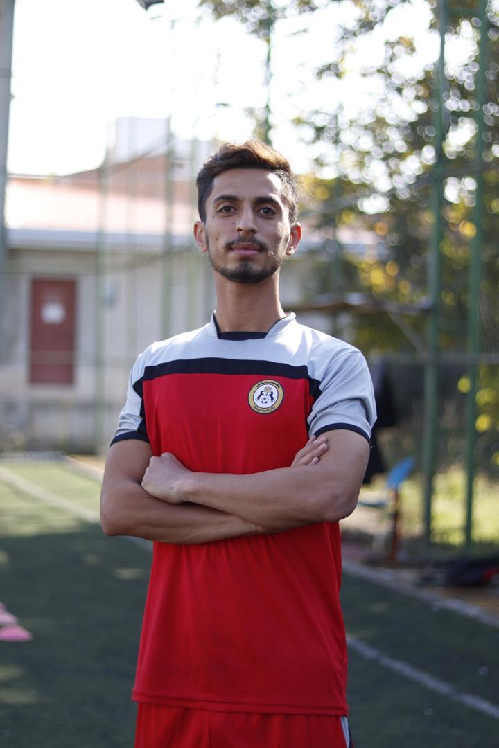 بازیکن جوان ساروی به قشقایی شیراز پیوست + عکس