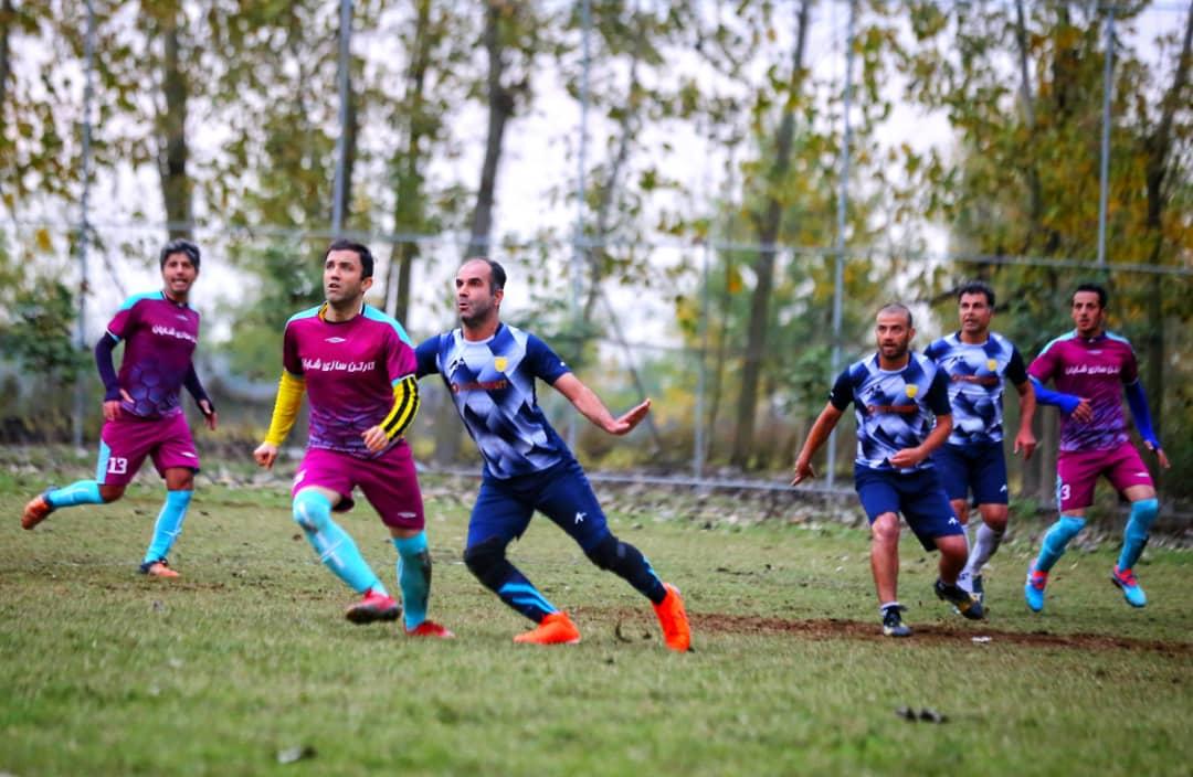 در دیداری دوستانه؛ منتخب فوتبالیستهای بابلی به مصاف رسانه ورزش مازندران رفتند + تصاویر